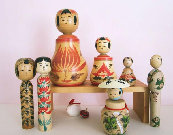 kokeshis, poupées en bois traditionnelles japonaises